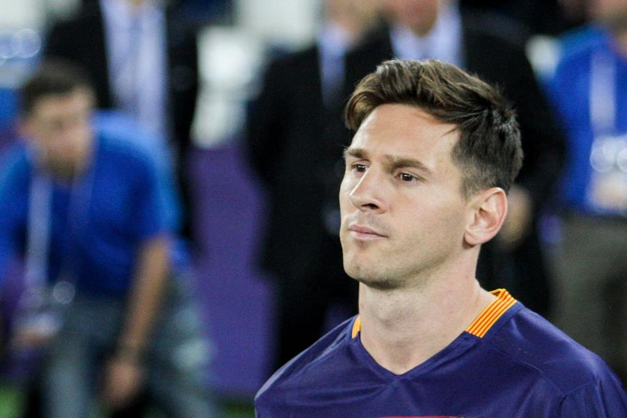 Lionel Messi, zdroj: https://commons.wikimedia.org/wiki/Category:Lionel_Messi_in_2015#/media/File:2015_UEFA_Super_Cup_64.jpg