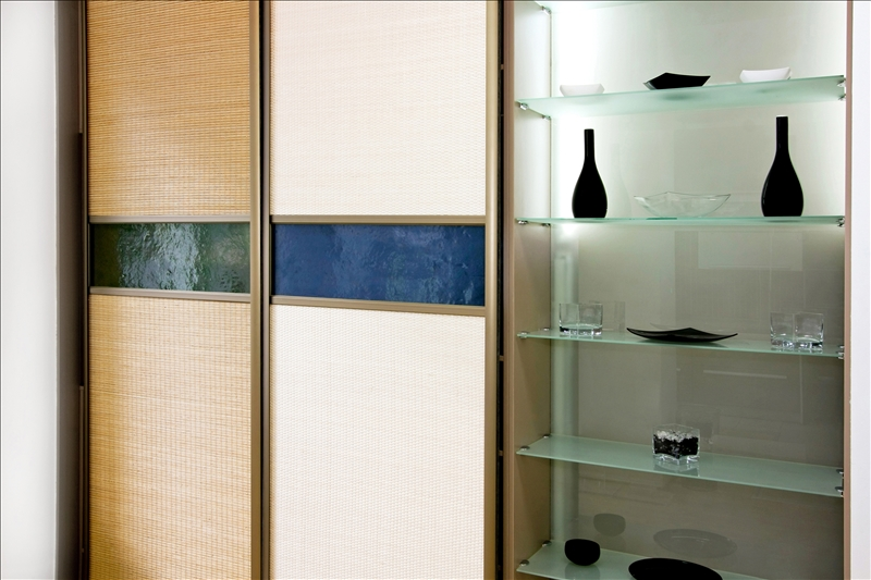 Double big bamboo closet and glass shelf
